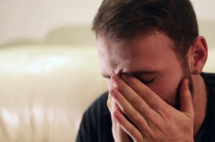صور صور رجل حزين , الحزن واصعب صور لحزن الرجال