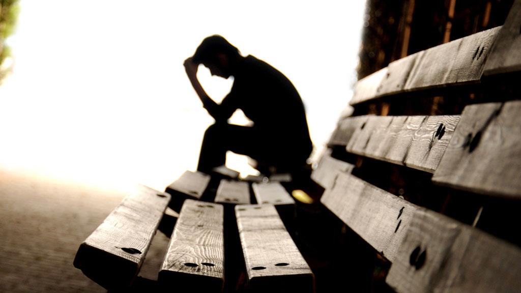 صورة صور شخص حزين , اصعب ما ترى اعيننا في صور الحزن