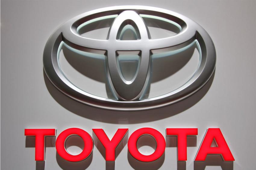 بالصور سيارات تويوتا , احدث اصدارات اليابان في سياره تويوتا 2000 4