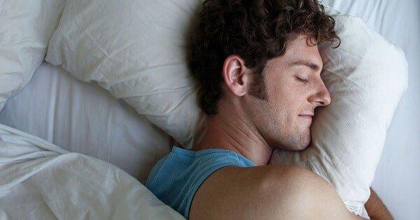 بالصور تفسير حلم النوم مع رجل غريب , الجماع مع رجل غريب 11384 2