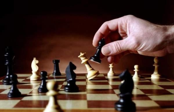صورة كيف تلعب الشطرنج , طريقه لعب الشطرنج