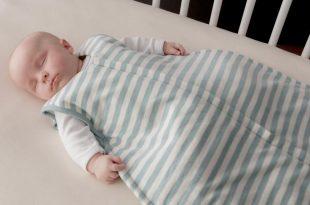 صورة صراخ الطفل اثناء النوم , تعرف علي سبب صراخ طفلك