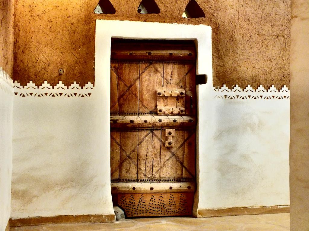بالصور بحث عن قصر المصمك , المصمك يحفظ السلاح 11463 5