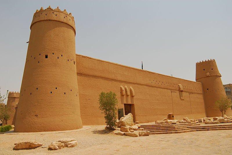 بالصور بحث عن قصر المصمك , المصمك يحفظ السلاح 11463 7