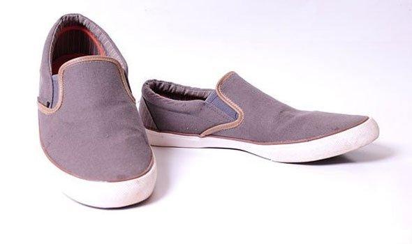 صورة الحذاء القديم في المنام , الحذاء القديم عائق في المنام