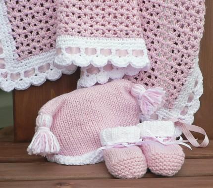 بالصور فستان كروشية اطفال , فن الكروشية يعود من جديد 11581 2