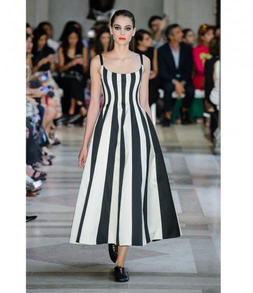 صورة فساتين الموضة الجديدة , الموضة تناديك باشيك الفساتين