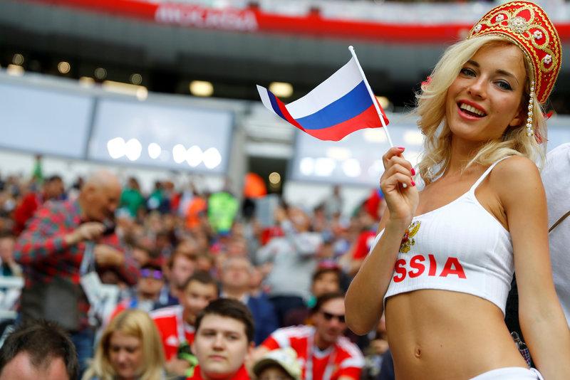 صورة جميلات روسيا في المدرجات , اجمل بنات روسيا