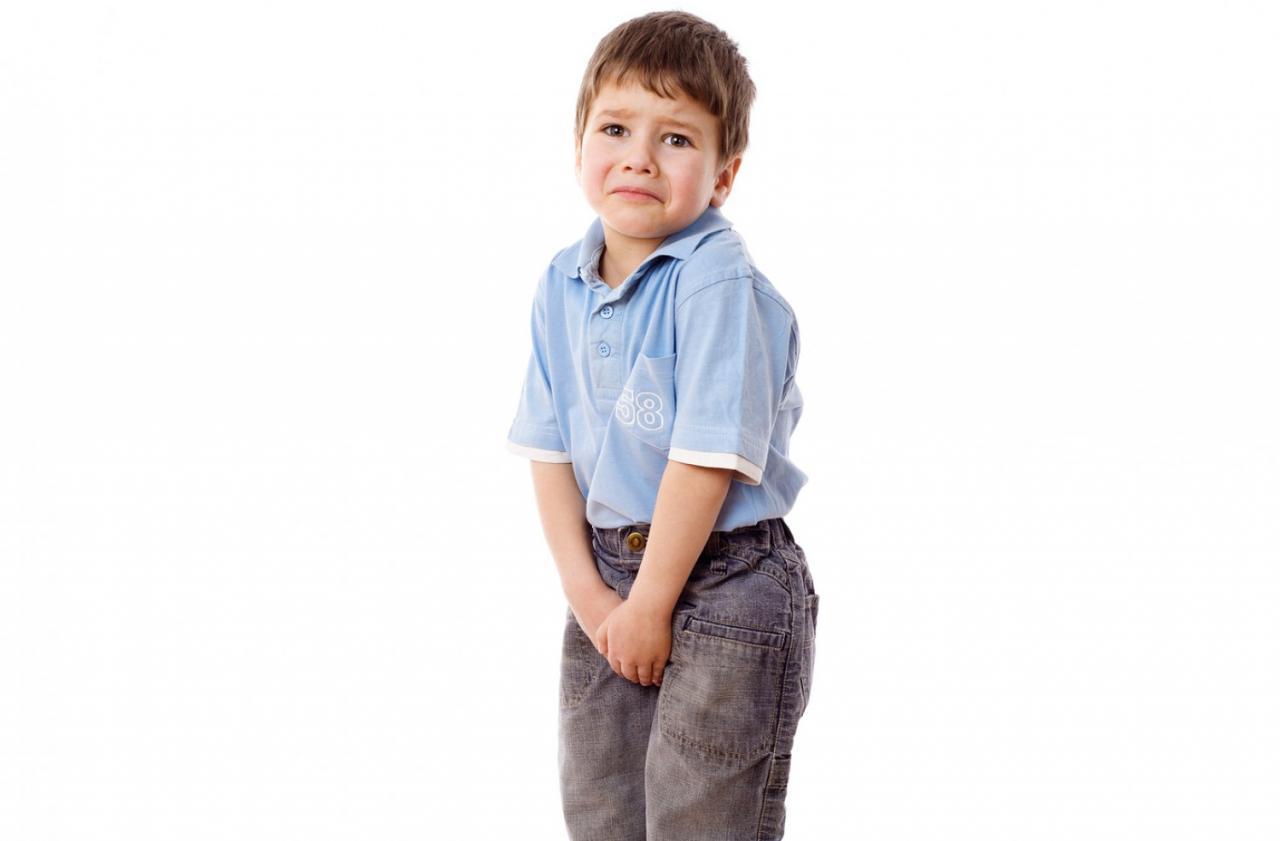 صورة تفسير حلم تبول طفل عليك , تفسير رؤيا بول الطفل