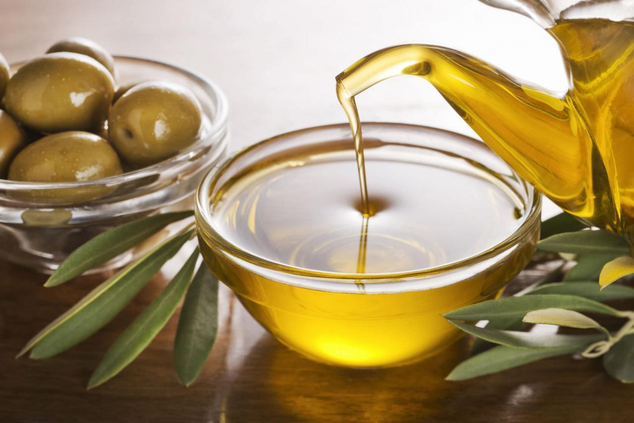 صورة لزيت الزيتون فوائد عديده لتعرف عليها,فوائد زيت الزيتون 3198 2